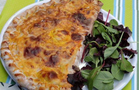 Villebois-Lavalette, Prancis: Large choix de pizzas sur place ou à emporter