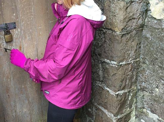Ballinasloe, Irlanda: Gaining entry