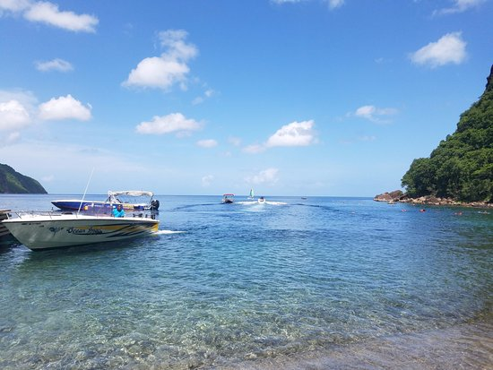 Julian Boat Tours: Our boat at Sugar Beach