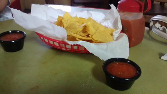 Cleburne, TX: chips and salsa
