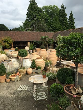 Turners Hill, UK: An amazing range of small to huge pots and other type of earthenware.