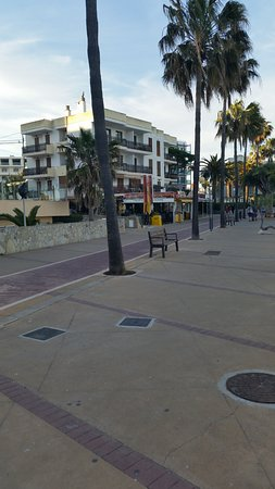 Tropical Paradise Bar: View of Tropical Paradise