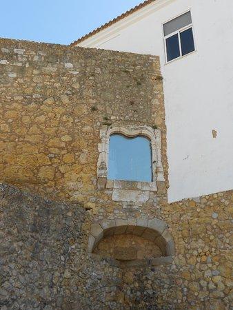 Governor's Castle (Castelo dos Governadores) : Detalle marco ventana