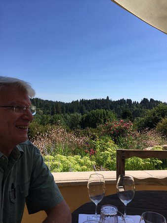 Marimar Estate Vineyards and Winery: Happy time!