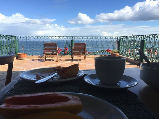 Pousada do Pilar: ... breakfast with an amazing view...