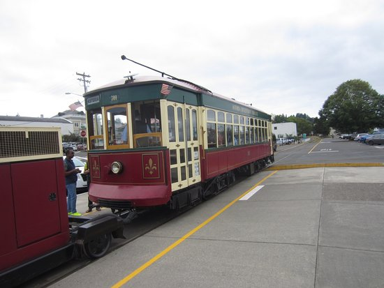 Astoria Riverfront Trolley Picture