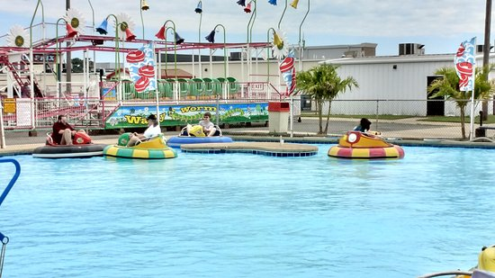 """Baja Amusements: The """"Water"""" ride. They spray each other and get soaked."""