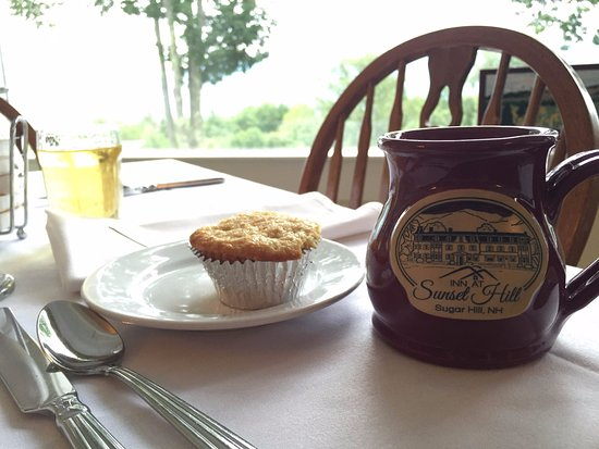 Sugar Hill, NH: Breakfast and delicious baked goods every day!