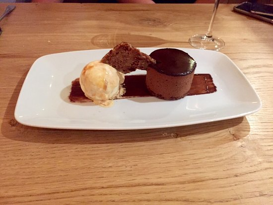 Denbighshire, UK: Rolo... Perfect ending to a great meal!