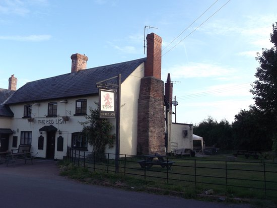 The Red Lion Inn Madley