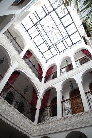 Riad Mouna: patio central