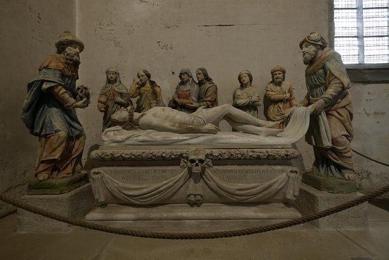 Lampaul-Guimiliau, Francia: Die Grablegung Christi