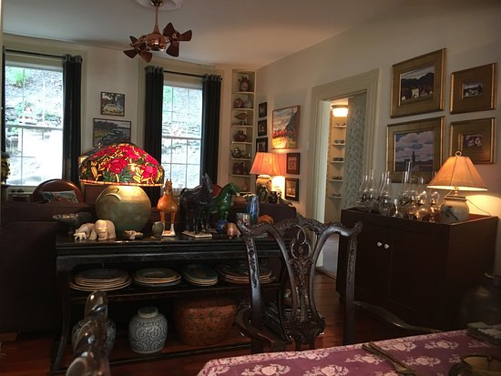 Jim Thorpe, Pensilvania: Gallery antiques and artwork everywhere!