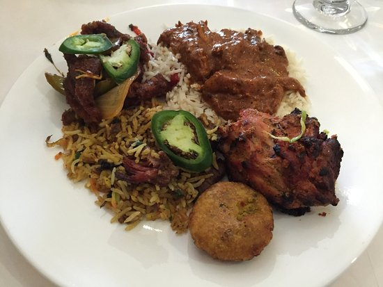 Aasna Melange of India: Buffet plate