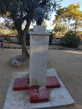Monumento a Jean Henry Dunant