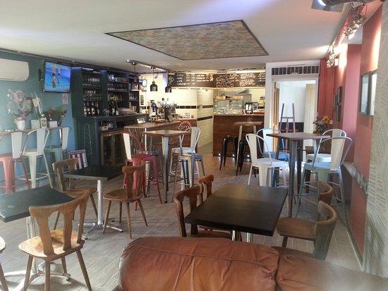 Cleguerec, Francia: Interior of Le Cafe Creme