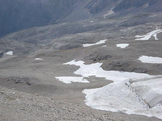 Aussichtsplattform AlpspiX : VAlley seen below it