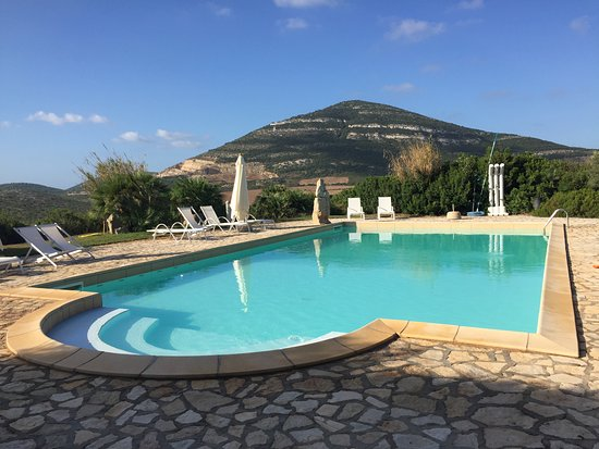 Podere di Monte Sixeri: The pool next to our cottage