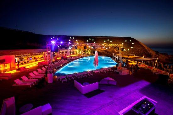 Кипр кирения elekxus hotel casino