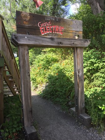 Port Carling, Canadá: Entrance to Grand Electric
