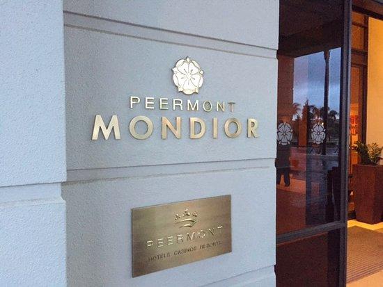Peermont Mondior at Emperors Palace: entrance
