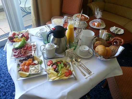 Hotel Antoniushof : Frühstück auf dem Zimmer