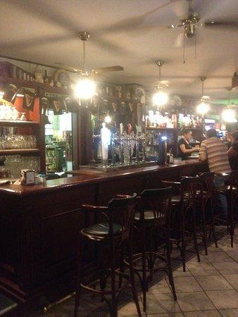 Pub Hotel Ristorante Nigra: Bancone Pub