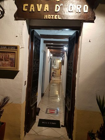 Cava d'Oro Hotel: 20160812_212019_large.jpg