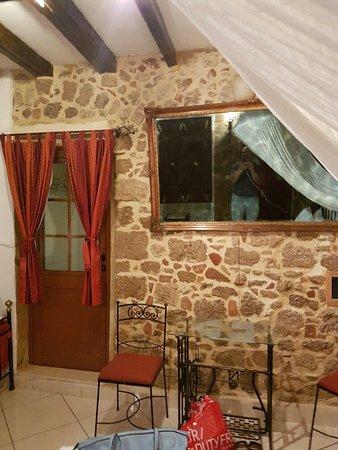 Cava d'Oro Hotel: 20160812_211201_large.jpg