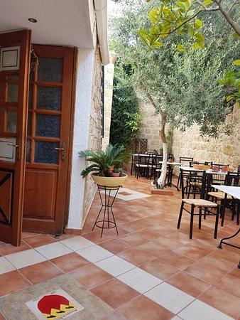 Cava d'Oro Hotel: 20160813_093417_large.jpg