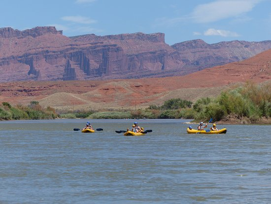Canyon Voyages Adventure Co - Day Tours: Three of the ducky boats.