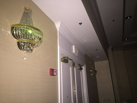 Wyndham Virginia Beach Oceanfront: Power went out at the hotel during a friends wedding, building was NOT up to code. No Exit signs