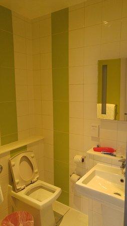 Ibis Styles London Croydon : Banheiro