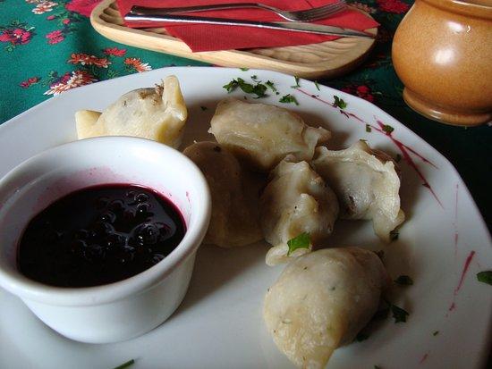 Lesser Poland Province, Pologne : pierogi z baraniną i sosikiem z jagód (było ich więcej;))