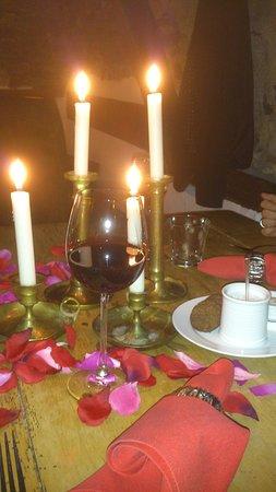 Kobern-Gondorf, Tyskland: romantischer Tisch
