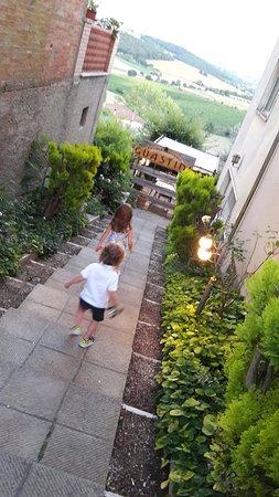 Valiano, İtalya: 20160814_202008_large.jpg