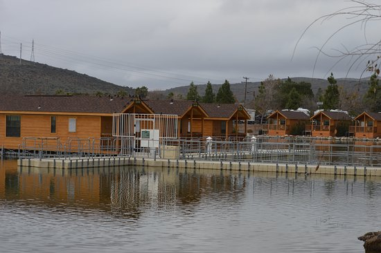 Santee, CA: These floating cabins are great.