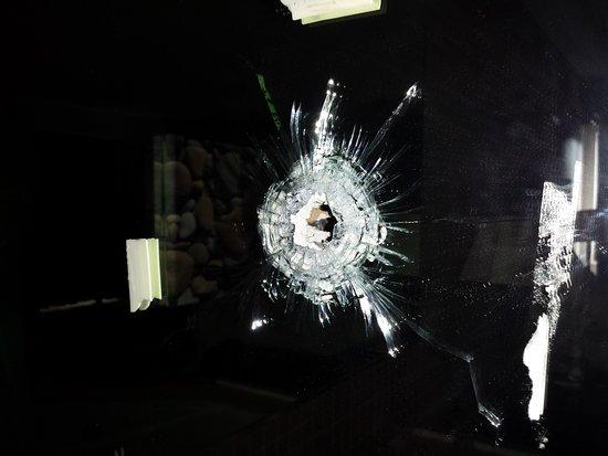 Stockbridge, GA: Bullet Hole over tub