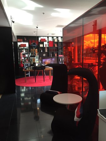 citizenM Schiphol Airport Photo