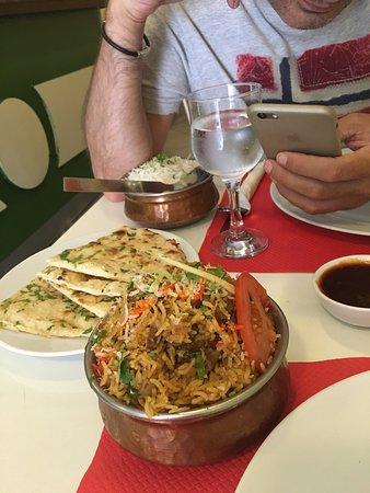 Swagatam Bar-Restaurant Hindu: Buena materia prima y muy importante no repite al ser comida fuerte y muy especiada, lo malo q e