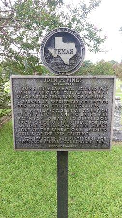 Jefferson, TX: Oakwood Cemetery
