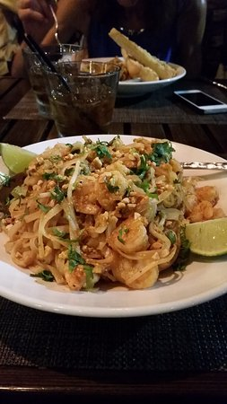 Kona Grill: Pad Thai Noodles w/Shrimp