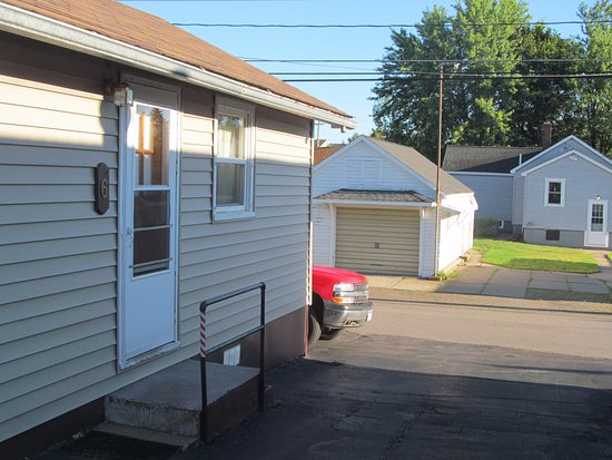 Ely, MN: View of room 6, set along the alley. The parking space is just behind the cabin.