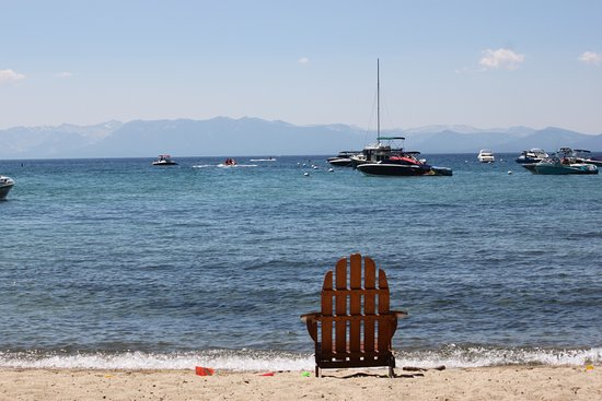 Hyatt Regency Lake Tahoe Resort, Spa and Casino: Just a simple pic from a beach chair at the Hyatt beach area