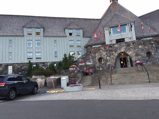 Timberline Lodge, ออริกอน: Front entrance