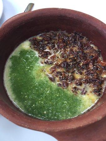 Casa Oaxaca: Una delicia! Los favoritos ensalada de betabel, quesillo con chapulines, Mousse de chocolate.