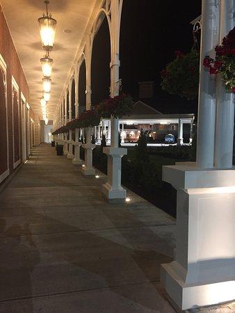 Saratoga Casino Hotel: photo2.jpg