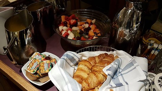 Hotel Haven: they prepared some early morning breakfast because we had to leave very early