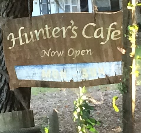 ‪‪Townsend‬, جورجيا: Hunters Cafe at Shellman Bluff is a great place to eat!‬