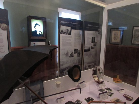 Albert County Museum: video displays and professional museum quality displays